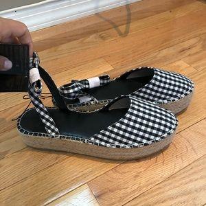 NEW Forever 21 sandals